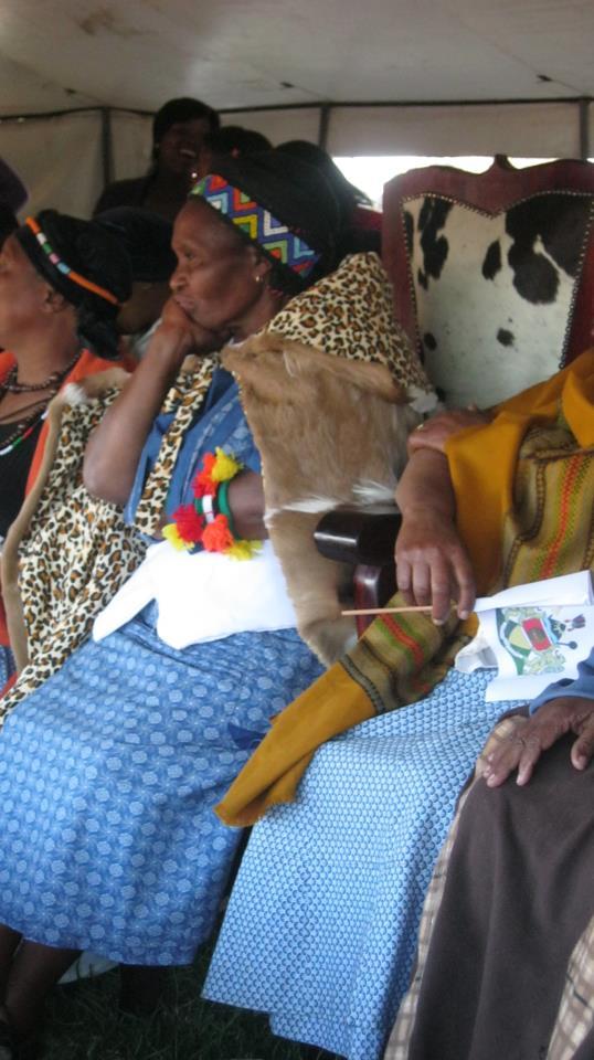 Iintombi of KwaBhaca Kingdom at Umkhosi wokukhahlela 2012 – Indlovukati, Queen Nosive