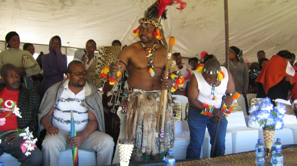 Iintombi of KwaBhaca Kingdom at Umkhosi wokukhahlela 2012 – King Madzikane II with Prince Mdutyane & Prince Phila Mdutyane