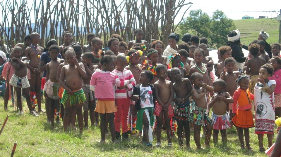 Iintombi of KwaBhaca Kingdom at Umkhosi wokukhahlela 2012 – abantwana bakwaBhaca