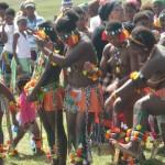 Iintombi of KwaBhaca Kingdom at Umkhosi wokukhahlela 2012 - ingoma