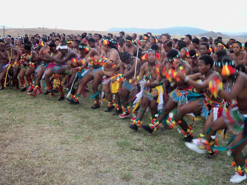 Umkhosi wokukhahlela – Bhaca Royal Reed ceremony – Elundzini Royal Residence, KwaBhaca (10) – Bhaca Maidens