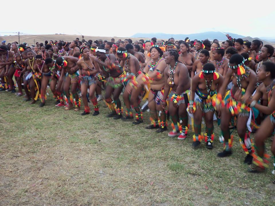 Umkhosi wokukhahlela – Bhaca Royal Reed ceremony – Elundzini Royal Residence, KwaBhaca (11) – Bhaca Maidens