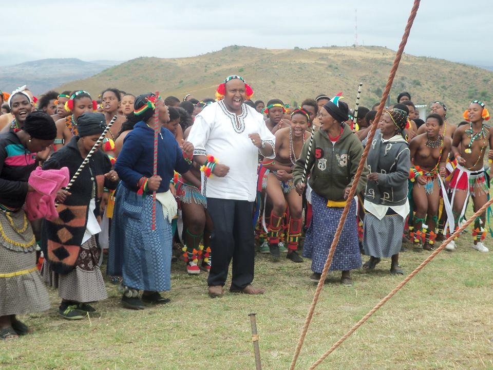 Umkhosi wokukhahlela – Bhaca Royal Reed ceremony – Elundzini Royal Residence, KwaBhaca (12) – Bhaca Maidens