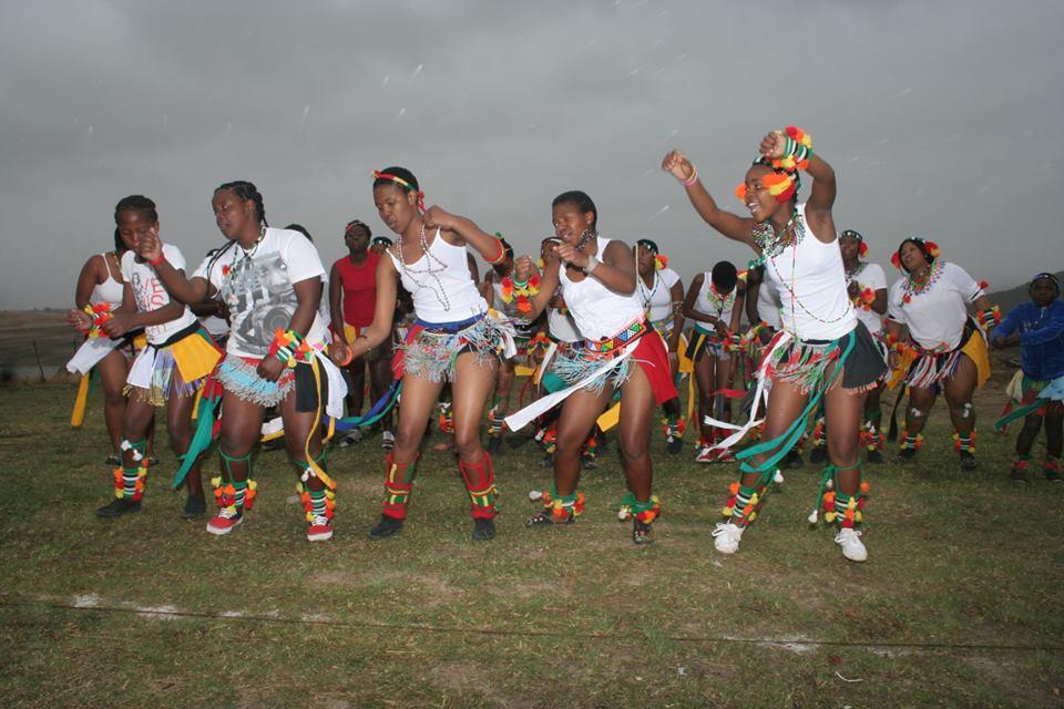 Umkhosi wokukhahlela – Bhaca Royal Reed ceremony – Elundzini Royal Residence, KwaBhaca (14) – Bhaca Maidens