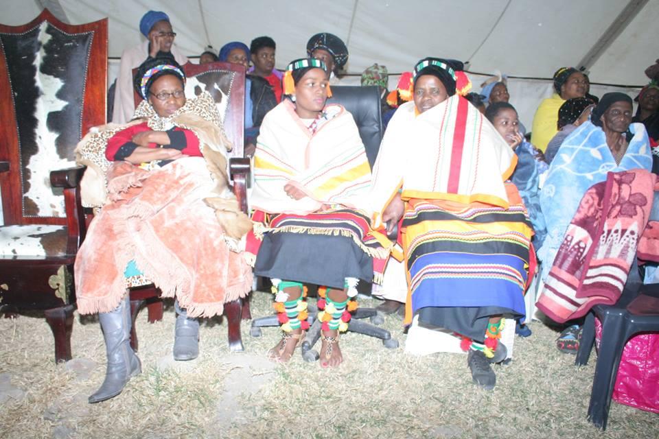Umkhosi wokukhahlela – Bhaca Royal Reed ceremony – Elundzini Royal Residence, KwaBhaca (16) – Bhaca Maidens