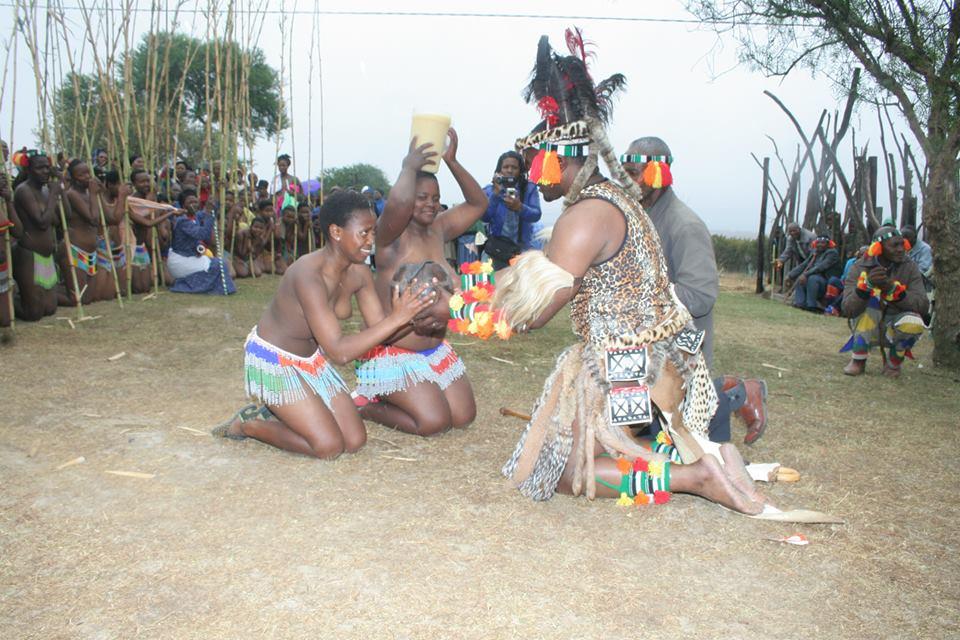 Umkhosi wokukhahlela – Bhaca Royal Reed ceremony – Elundzini Royal Residence, KwaBhaca (22) – Bhaca Maidens