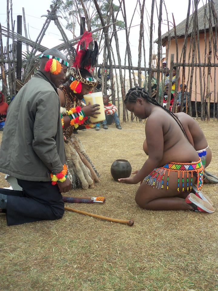Umkhosi wokukhahlela – Bhaca Royal Reed ceremony – Elundzini Royal Residence, KwaBhaca (7) – Bhaca Maidens